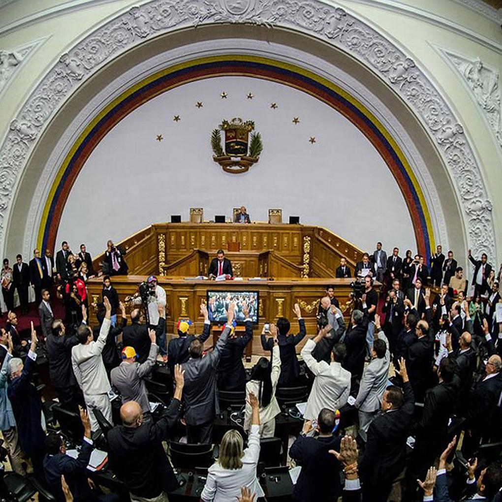 Disolución de la Asamblea Nacional no es reconocida por diputados