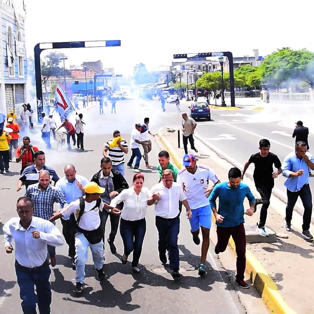 GNB ataca al gobernador Juan Pablo Guanipa
