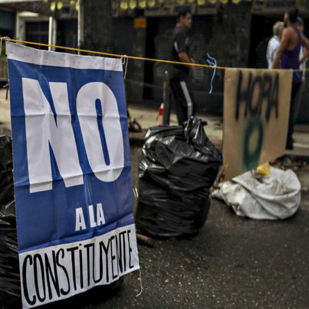 Maduro pospone la Constituyente, pancartazo en centros de votación