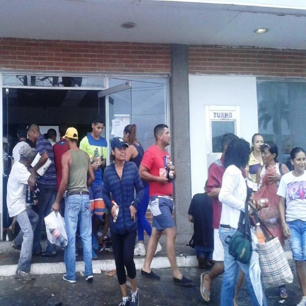 Un año de los saqueos en Ciudad Bolívar por los billetes de 100