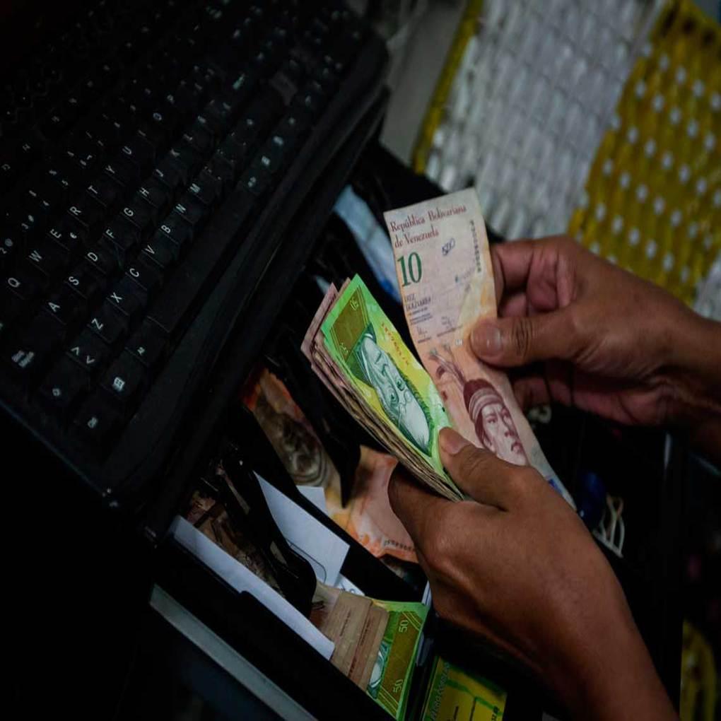 Billetes de 10 y 20 bolívares rechazados por comercios y transportistas