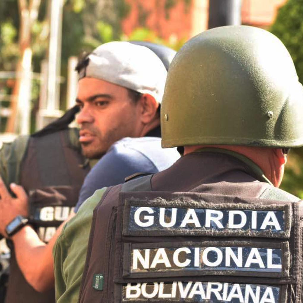 Periodistas detenidos serán enviados a la Cárcel de Santa Ana