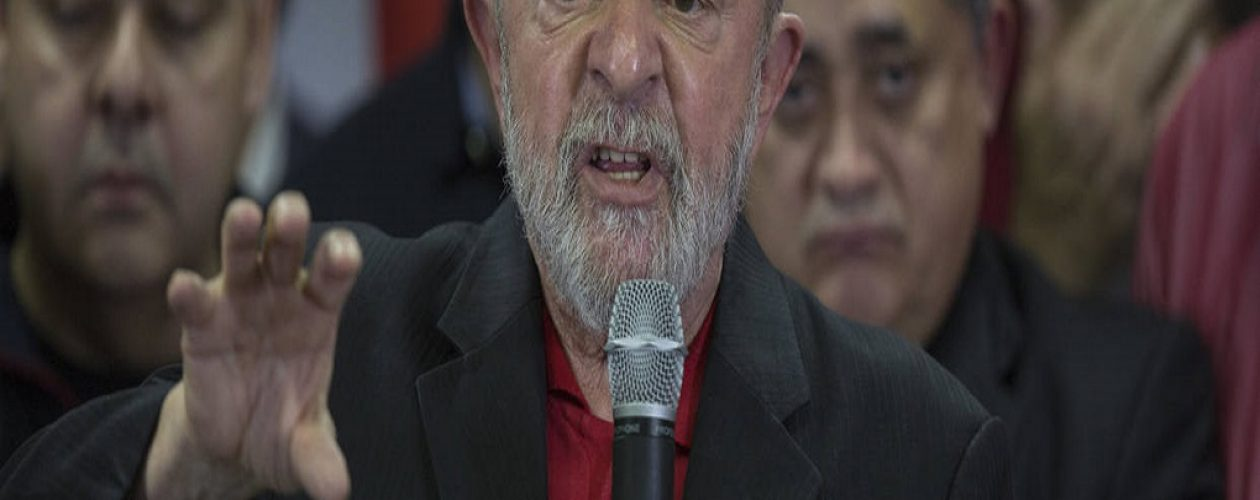 Lula Da Silva fue abochornado con piedras y huevos durante su gira