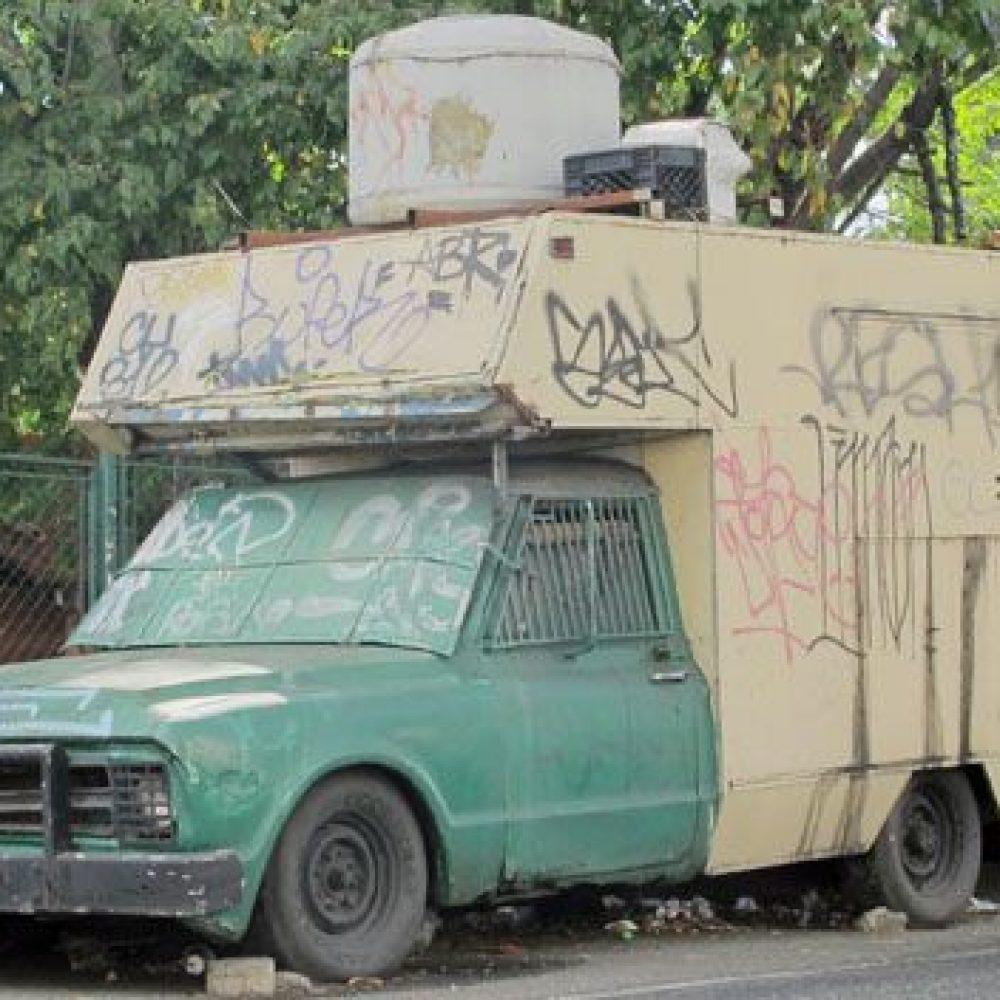 """Poseer un vehículo en Venezuela: Un """"lujo"""" que ya ni la clase media se puede costear"""