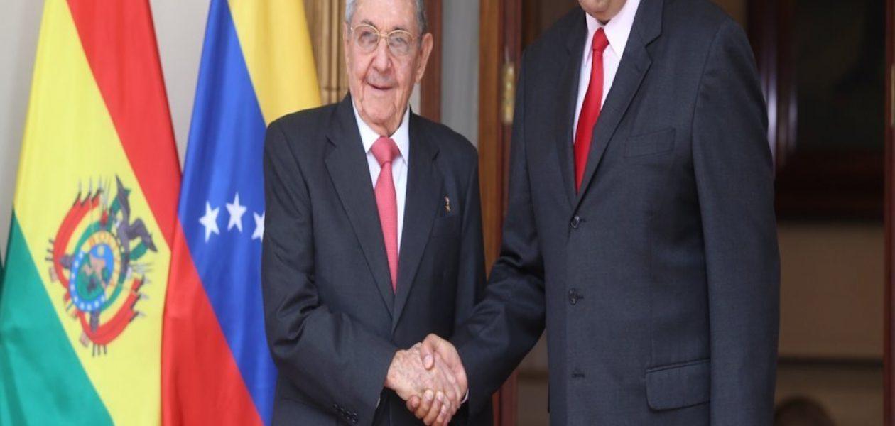 Maduro construye puente en Cuba mientras miles de venezolanos claman por comida