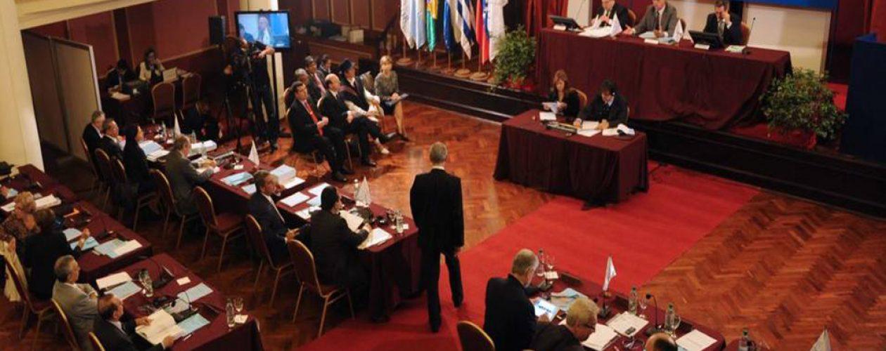 Presidente del Parlasur respalda diálogo en Venezuela