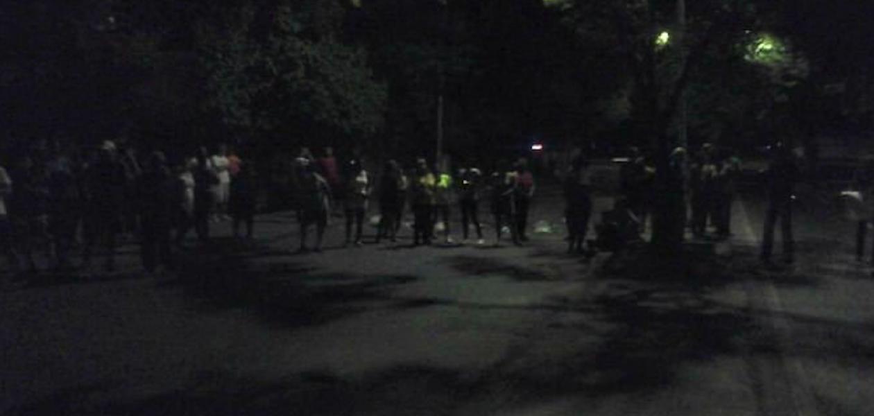 Protestan nuevamente en Guarenas, la «cuna de la revolución» (Fotos)