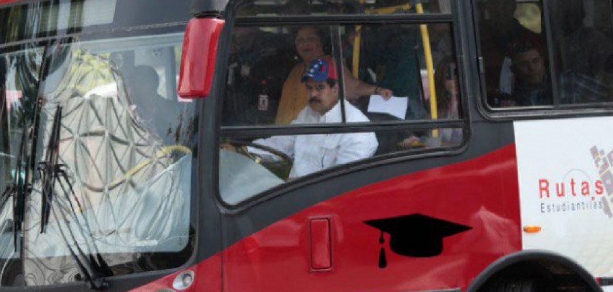 """Cesar Lanzón: """"Aquí siguen llenando los autobuses de personas para abultar mítines del régimen"""""""