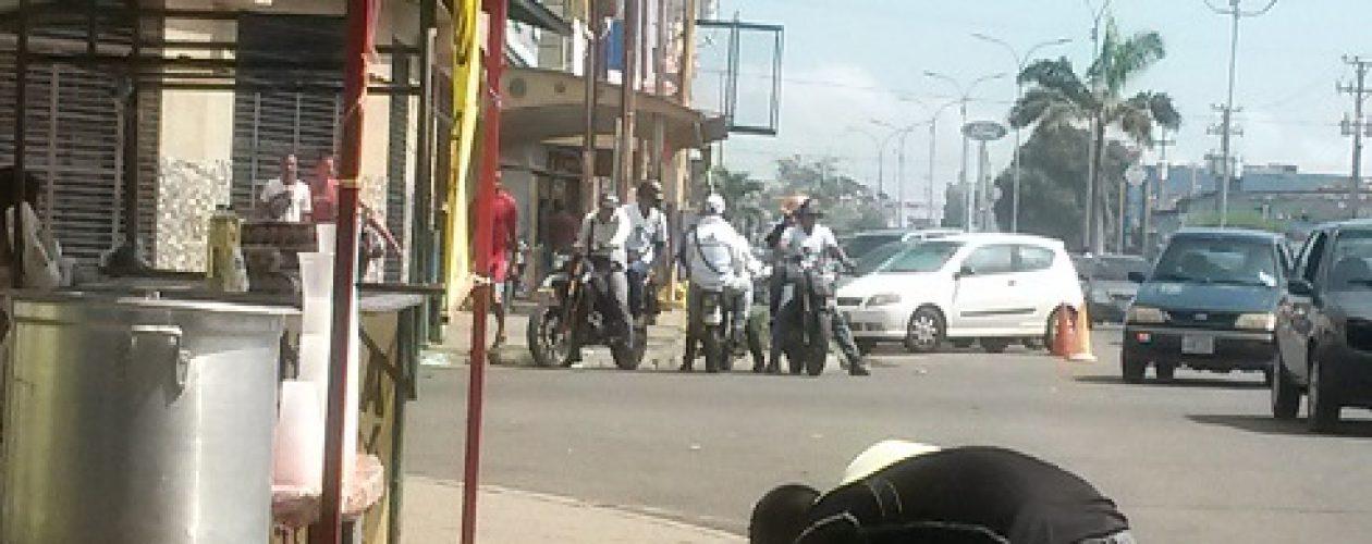 Colectivos armados amedrantan actividad pro revocatorio en Guayana