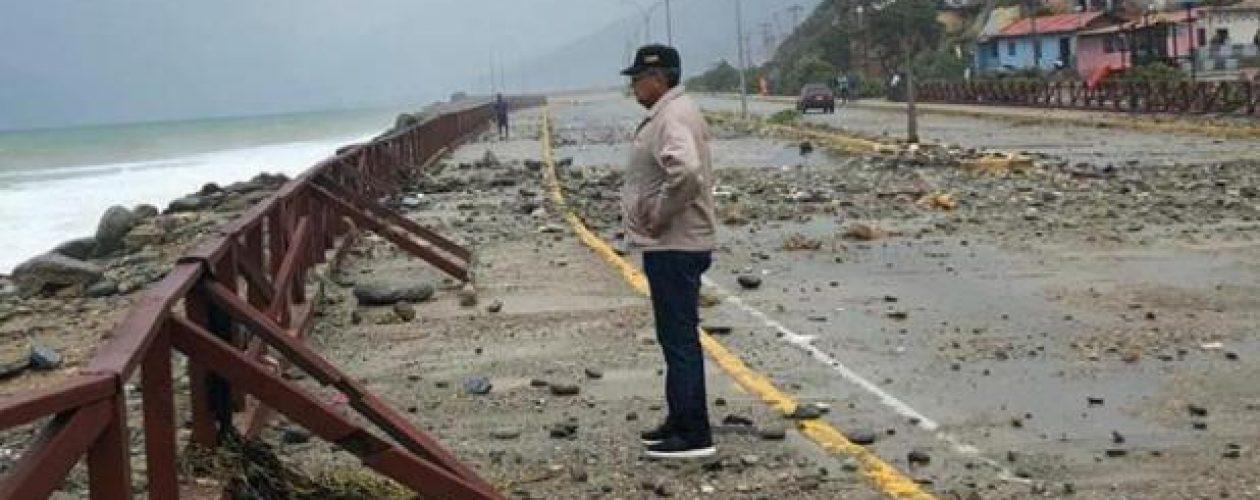 Plan de contingencia por lluvias y fuerte oleaje en Vargas (Videos)