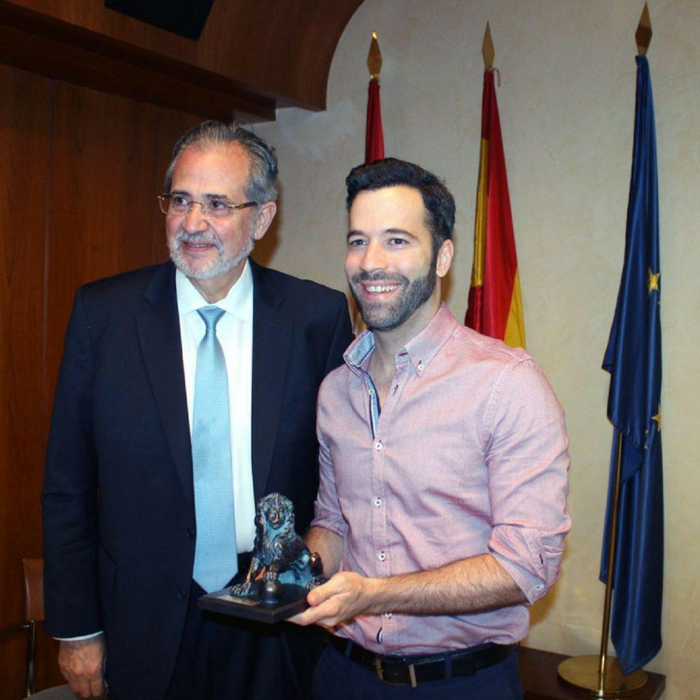 """David Placer se alza con el primer premio del II Concurso de relatos """"Miguel Otero Silva"""""""