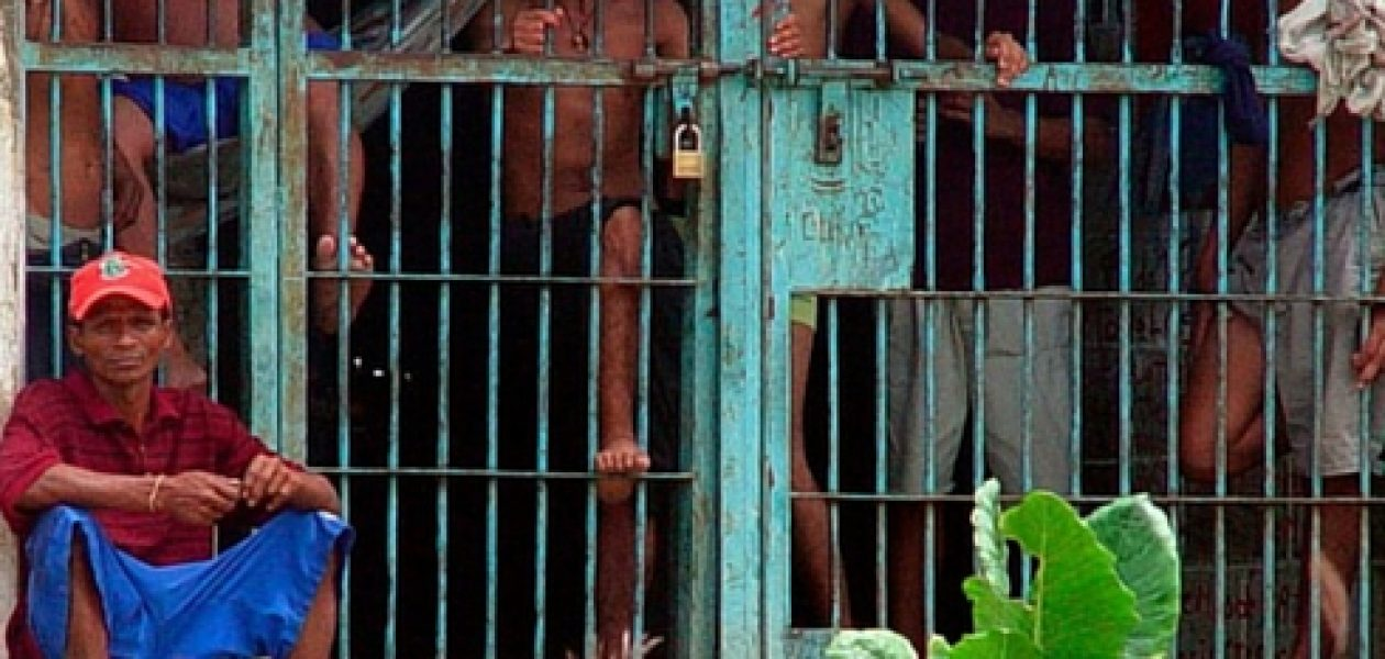 Denuncian vejaciones en las cárceles venezolanas