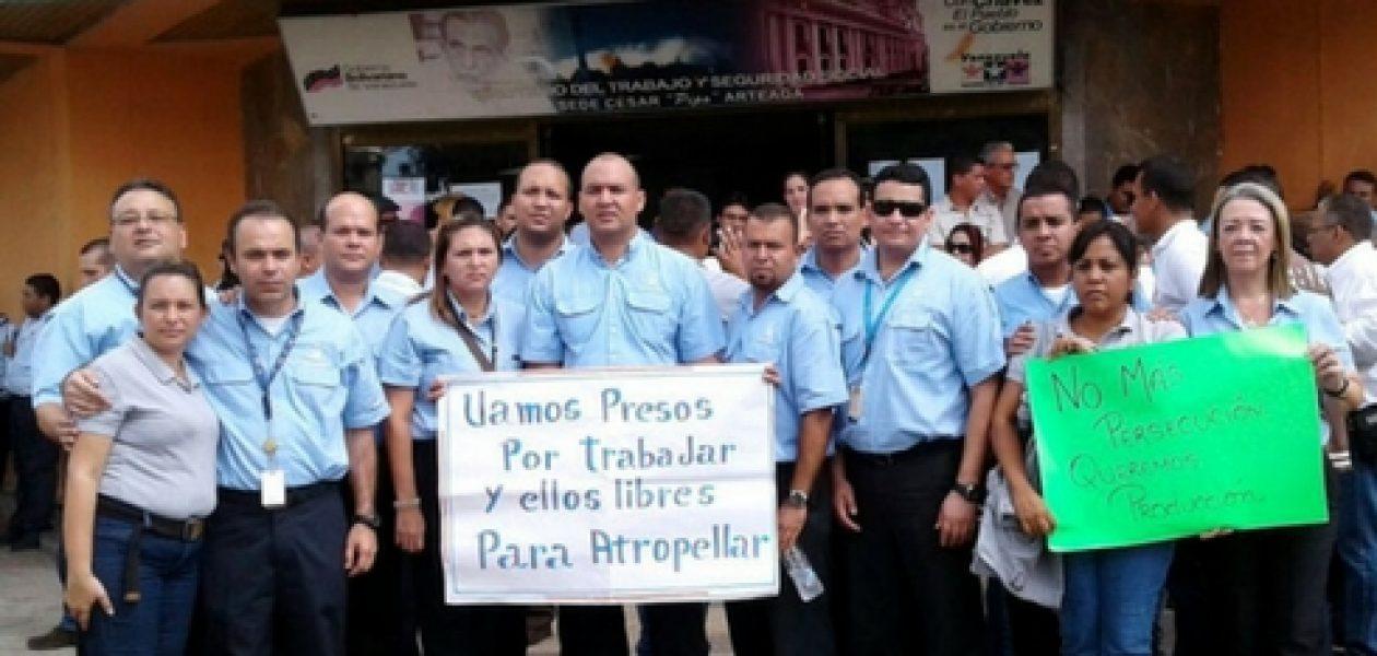 Trabajadores de Empresas  Polar protestan ante el Ministerio del Trabajo
