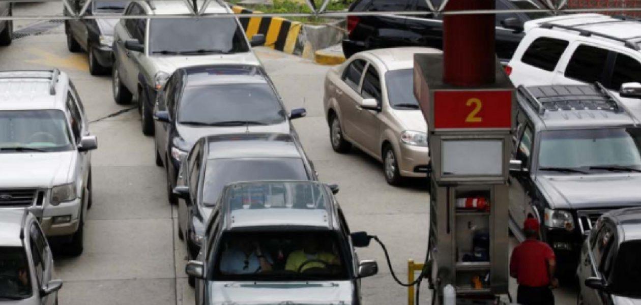Falta de gasoil deja a trabajadores sin transporte