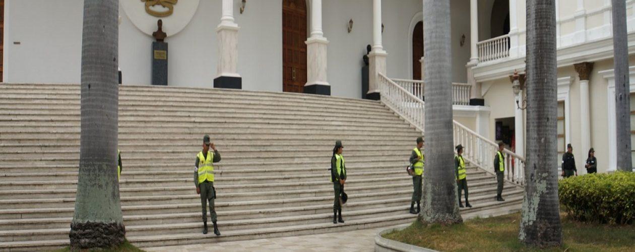 Guardia Nacional  impiden entrada de la prensa al Palacio Federal Legislativo #17Abr