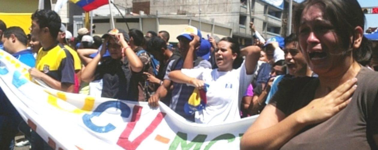 Gobierno de Aragua interrumpió marcha de estudiantes en Maracay