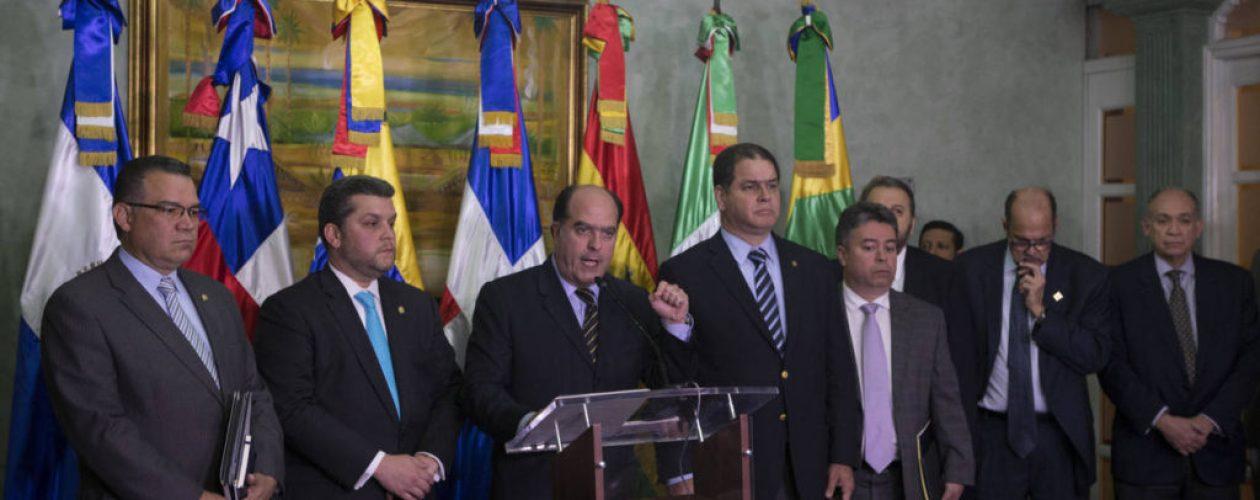 Oposición y gobierno mantuvieron reuniones sobre condiciones electorales, según Henri Falcón