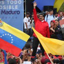 ¡Insólito! Maduro pide que voten por él para acabar con las mafias económicas