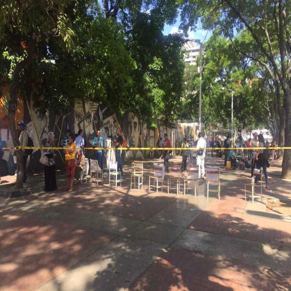 Liceo Andres Bello de Caracas amaneció sin votantes