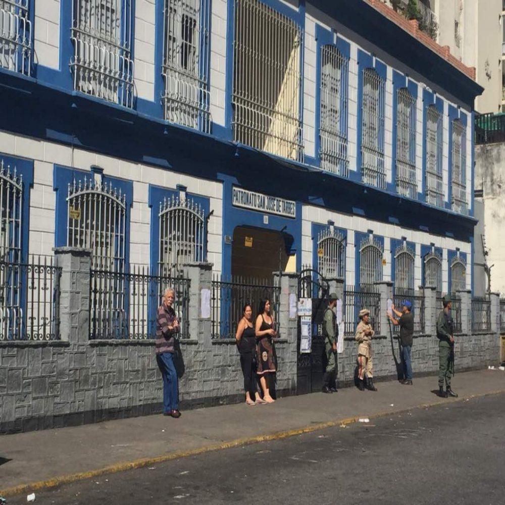 Centros de votación en Caracas permanecen vacíos (FOTOS)