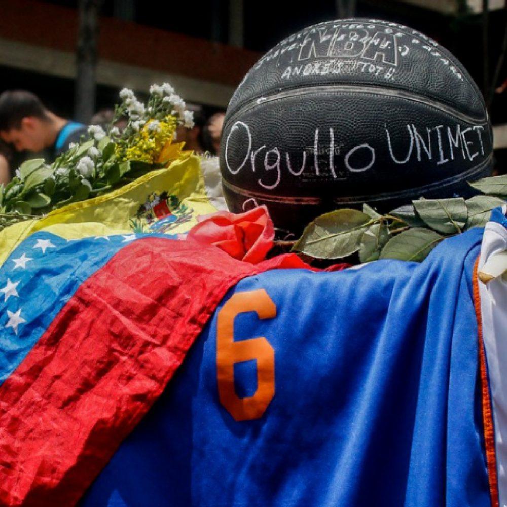 Un año después de que la fiscal Luisa Ortega desvelara que Juan Pablo Pernalete fue asesinado por una bomba lacrimógena, el expediente sigue igual