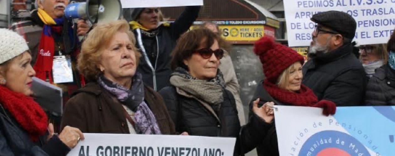Jubilados venezolanos en el exterior, desamparados por el gobierno