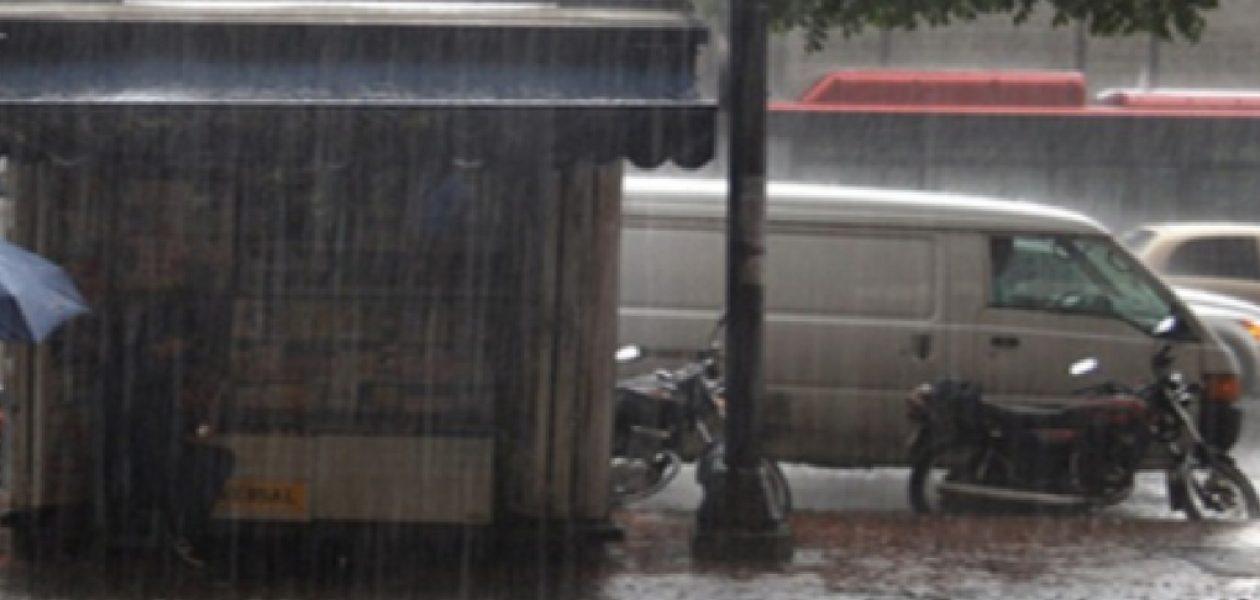Lluvias en Caracas causan caos y fallas eléctricas