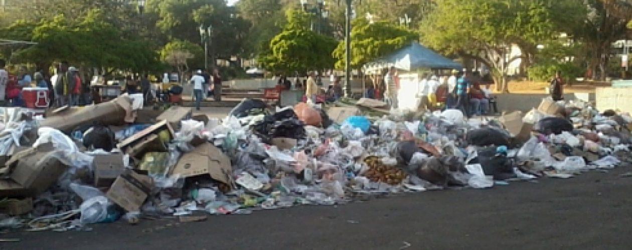 Basura en Maracaibo: Eveling Trejo se las cantó a Arias Cárdenas