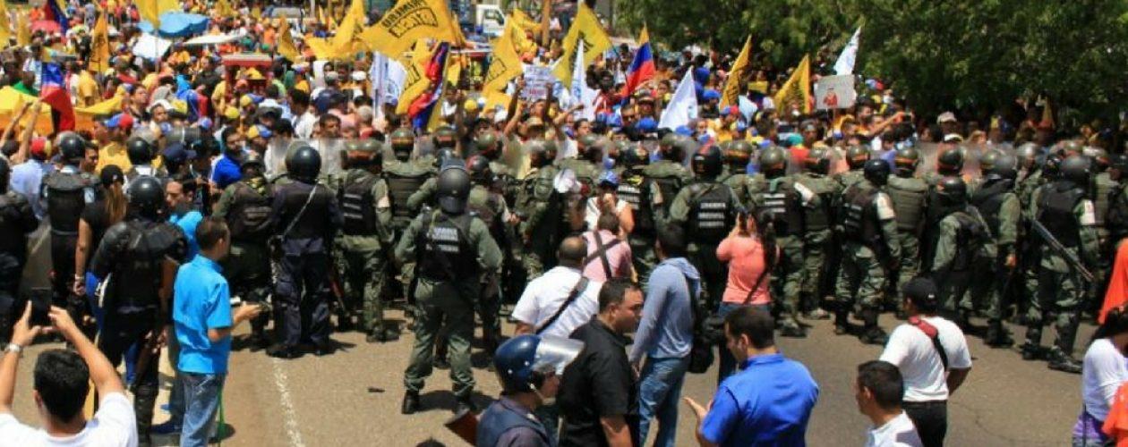Marcha al CNE en Zulia fue impedida por cuerpos de seguridad