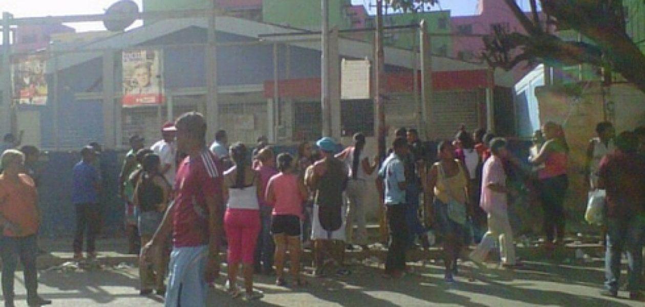 Muere niña de cuatro años durante balacera en Mercal de Guatire