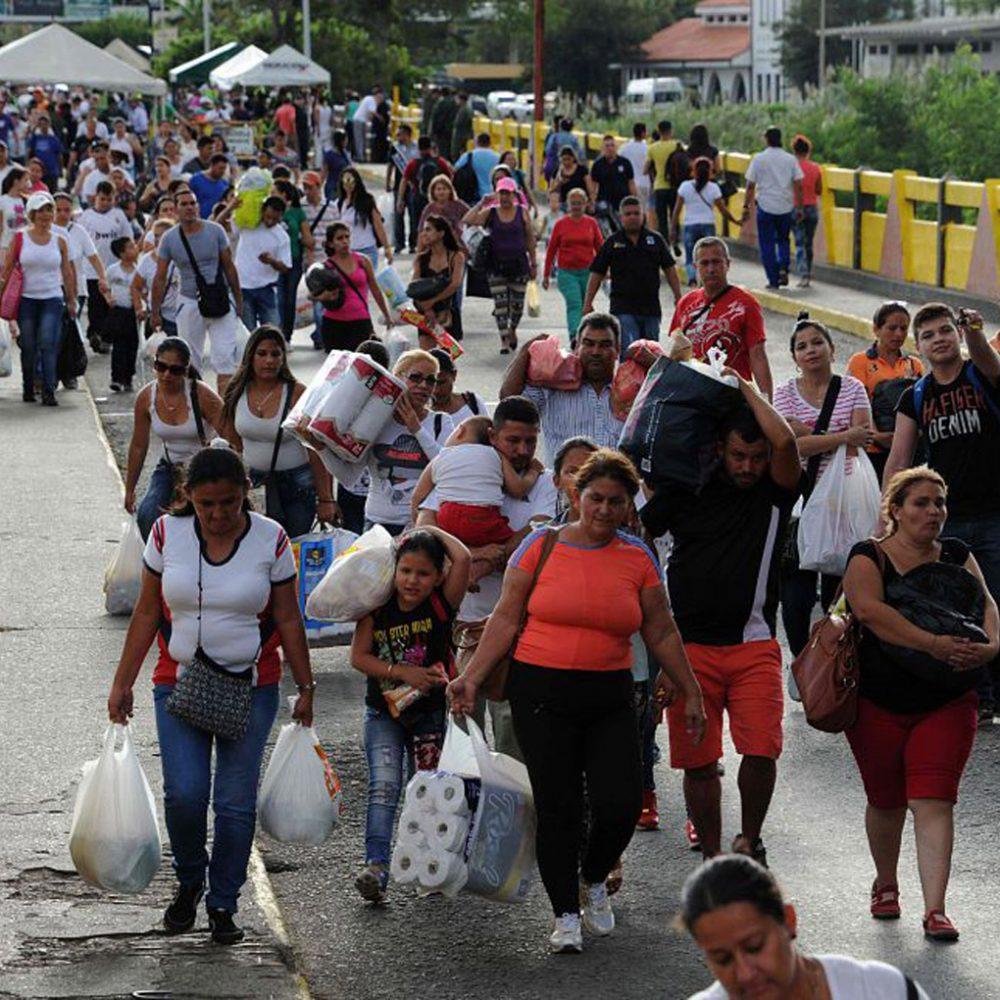 Más de 280 mil venezolanos han cruzado la frontera de Colombia con Ecuador