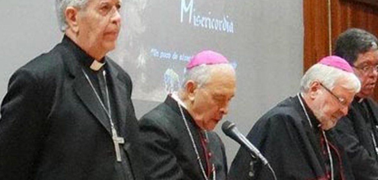 """Monseñor Diego Padrón: """"Maduro busca distraer la atención con el diálogo"""""""