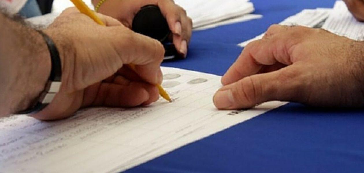 Ocariz develó las normas aplicadas por el CNE para invalidar firmas para el referendo revocatorio