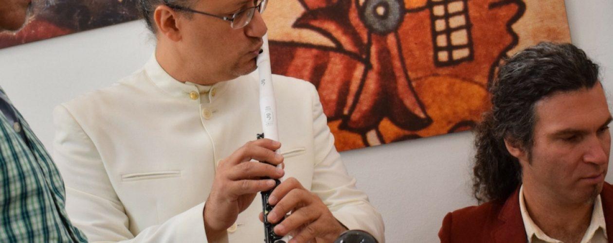 Omar Acosta recibe reconocimiento en los Global Music Awards
