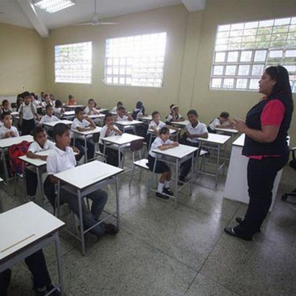 Docentes en Carabobo se irán de paro hasta obtener aumento salarial