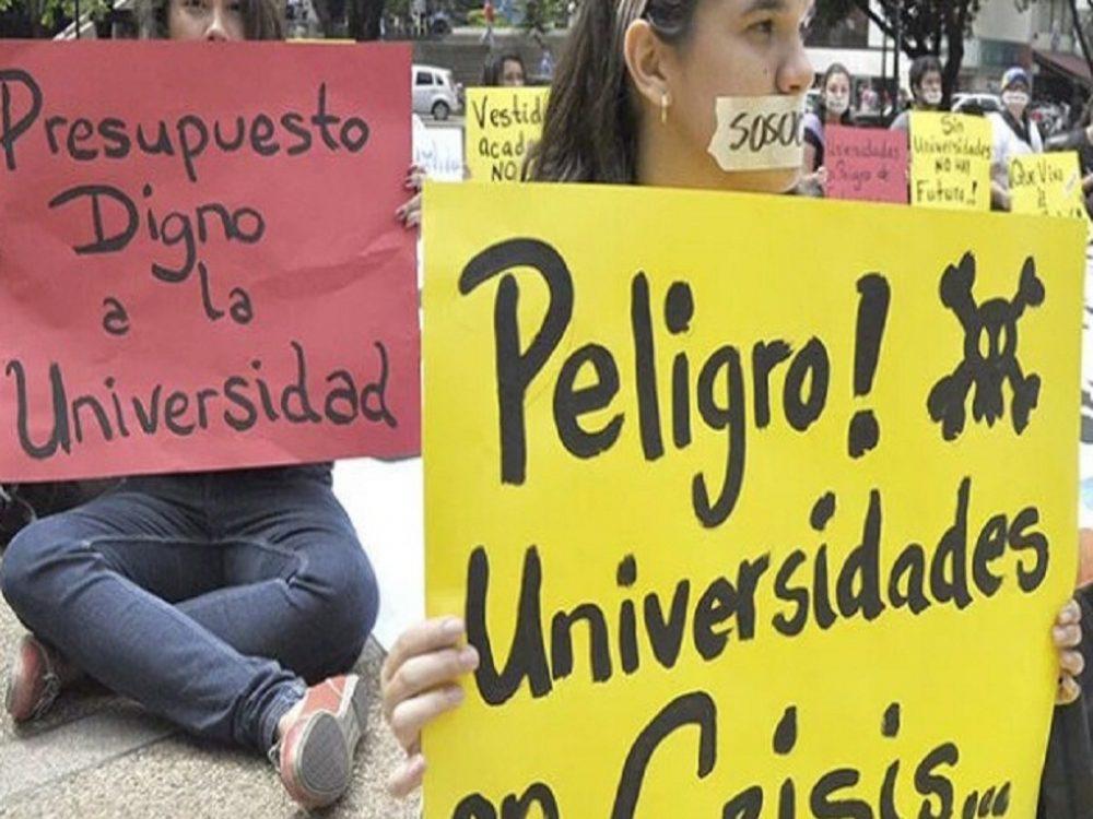 Educadores venezolanos, los peores pagados en América Latina