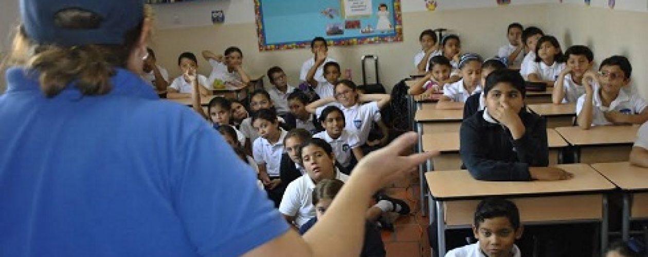 ¿Qué es el bullying? 42 colegios de Lechería reciben charlas