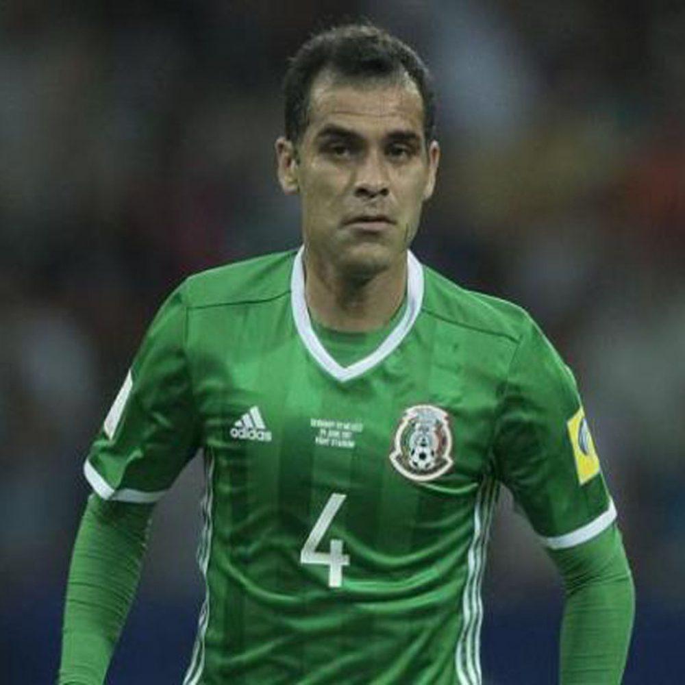 Los hermanos Dos Santos y Rafael Márquez apuntalan la lista de México para el Mundial
