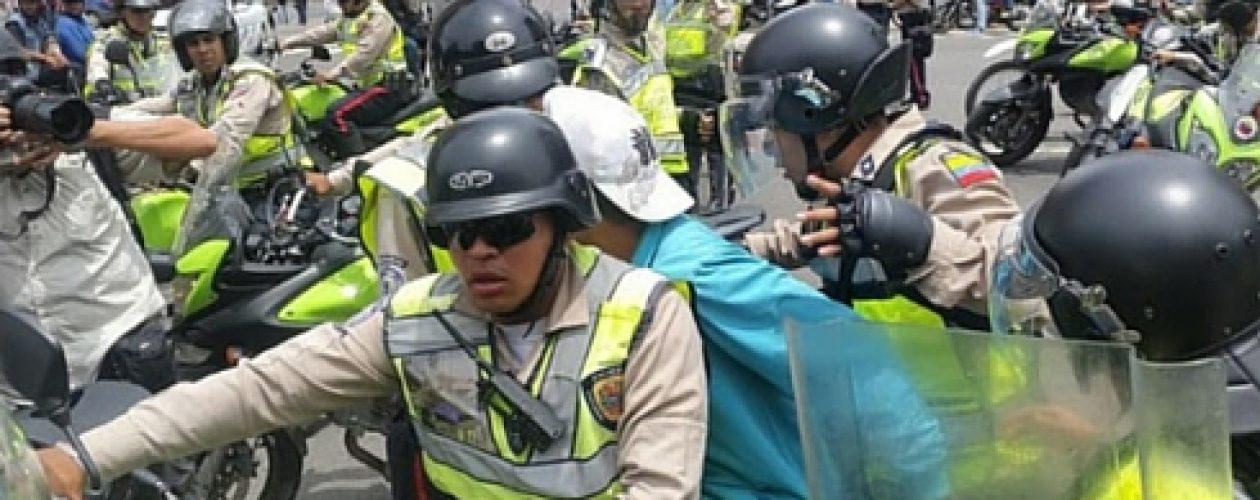 Reportan detenidos en marcha de la oposición en Caracas