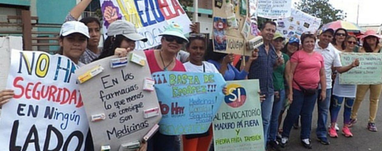 Guayana exige revocatorio y protesta por la escasez