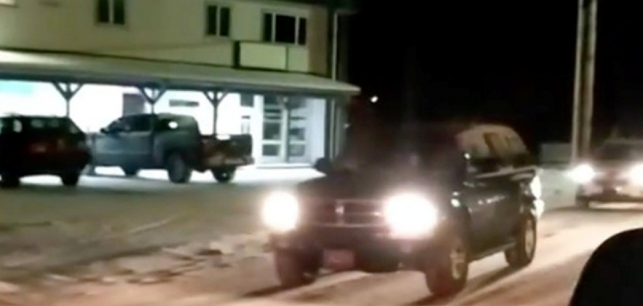 Habitantes de Alaska evacuan sus casas tras la alerta de tsunami (Videos)