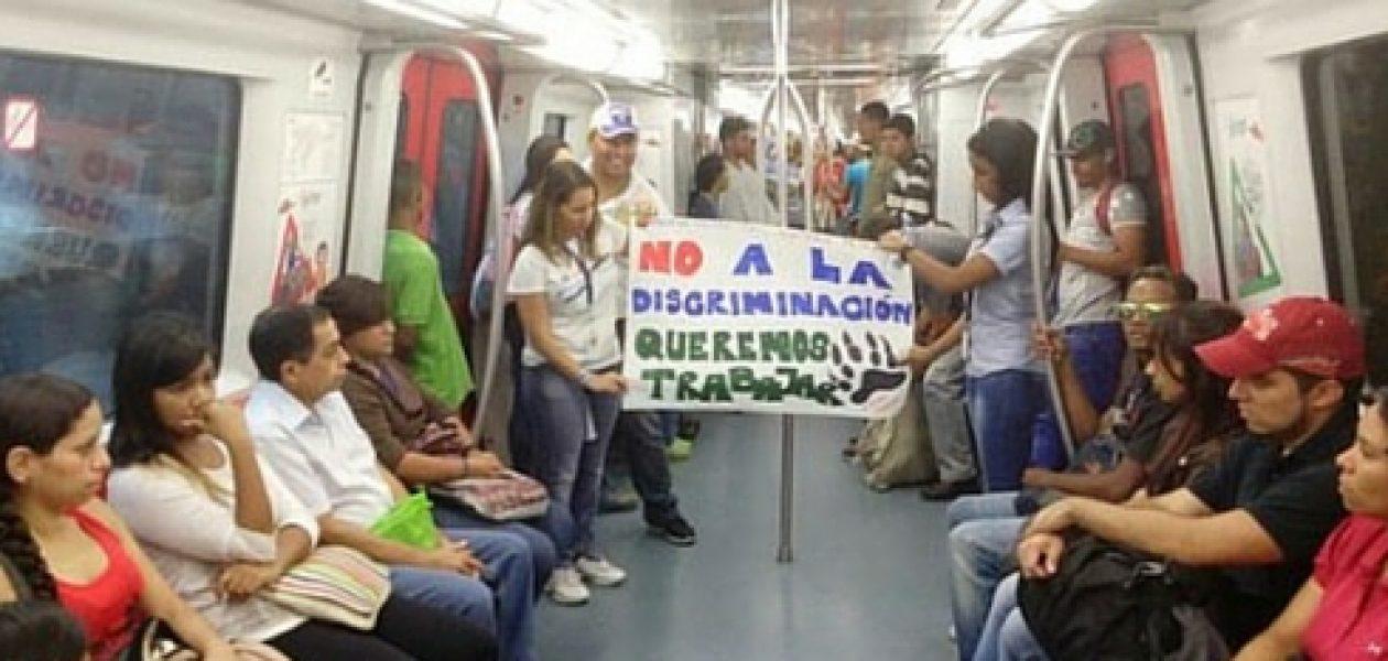 Trabajadores de Polar protestan dentro del Metro (fotos)