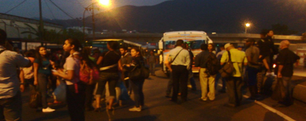 Protestan en La Yaguara por aumento del transporte