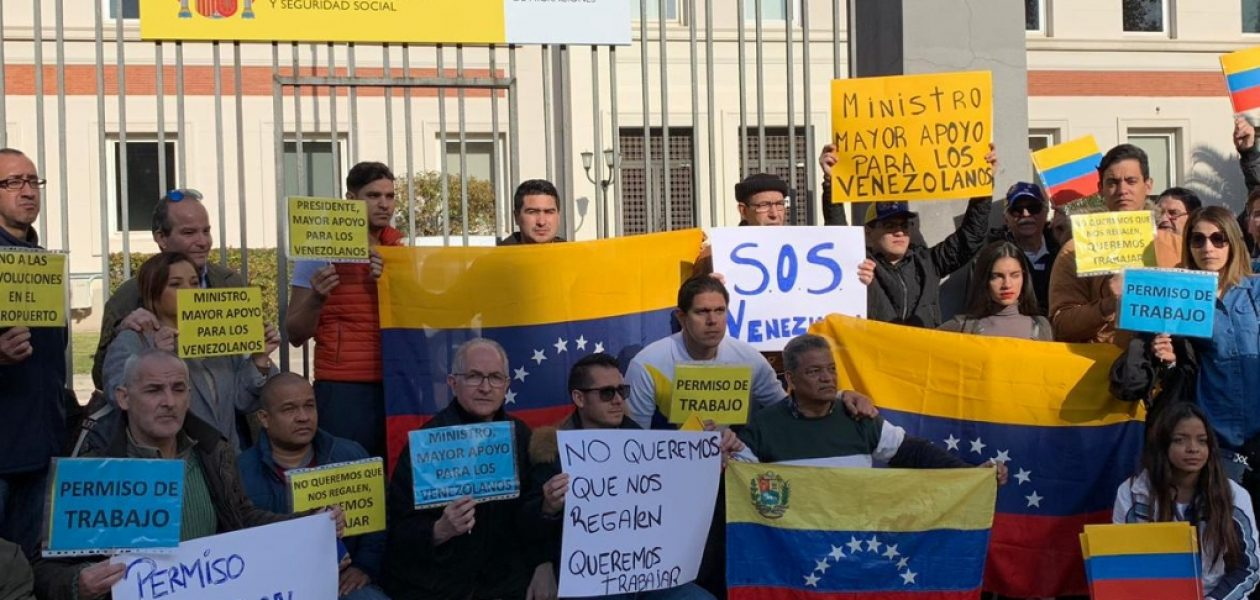 Venezolanos piden al Gobierno de España que regularice la solicitud de citas de extranjería