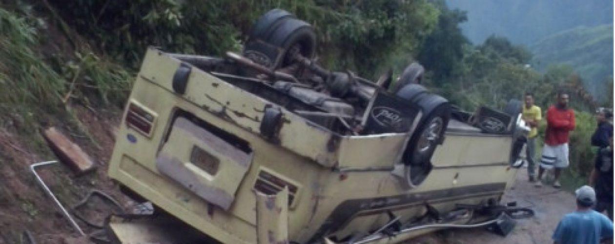 Mal estado de la vía fue la causa del accidente en Mataruca que deja más de 30 heridos
