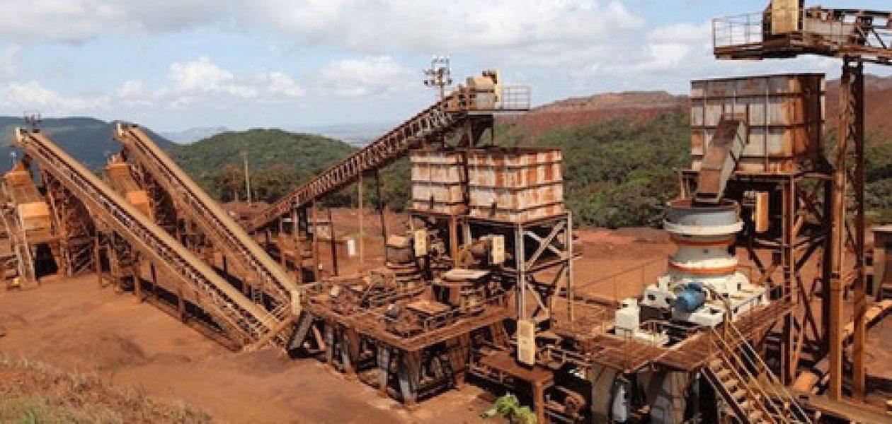 Denuncian acoso laboral a 300 trabajadores de Orinoco Iron en Guayana