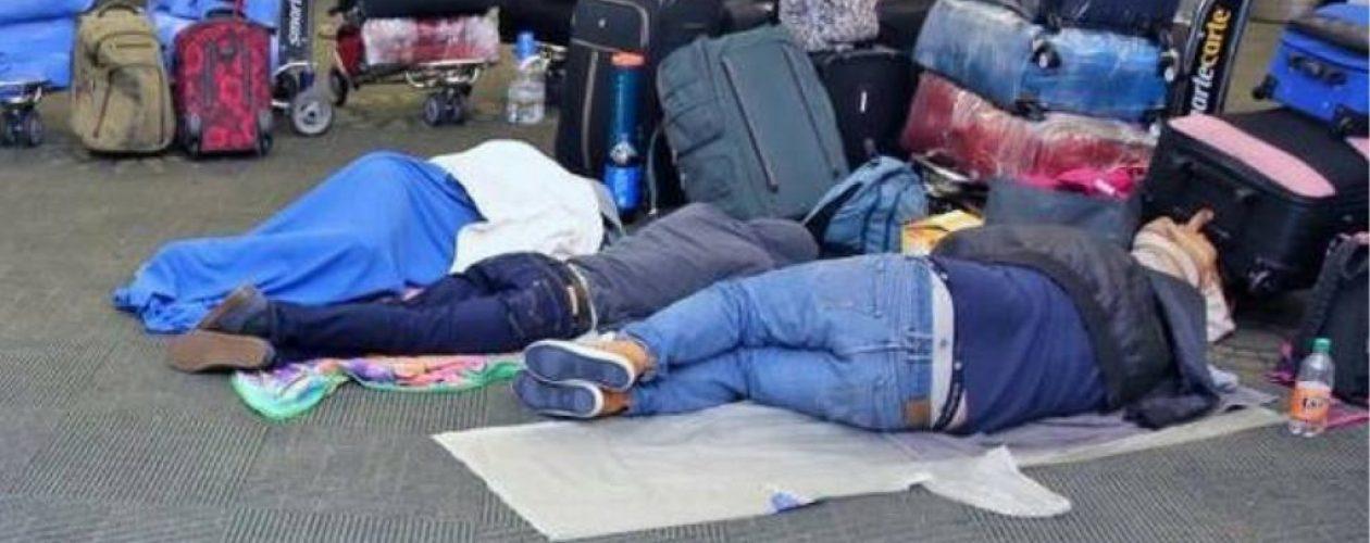 Venezolanos varados en el Aeropuerto Internacional de Miami