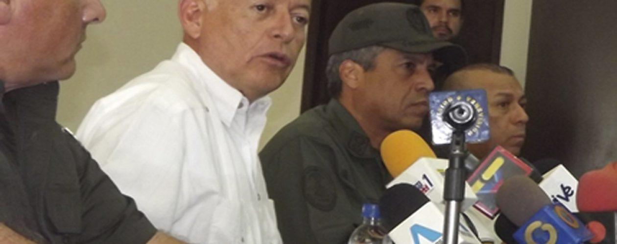"""Arias Cárdenas: """"Agarren los fusiles y vamos a enfrentarnos"""""""