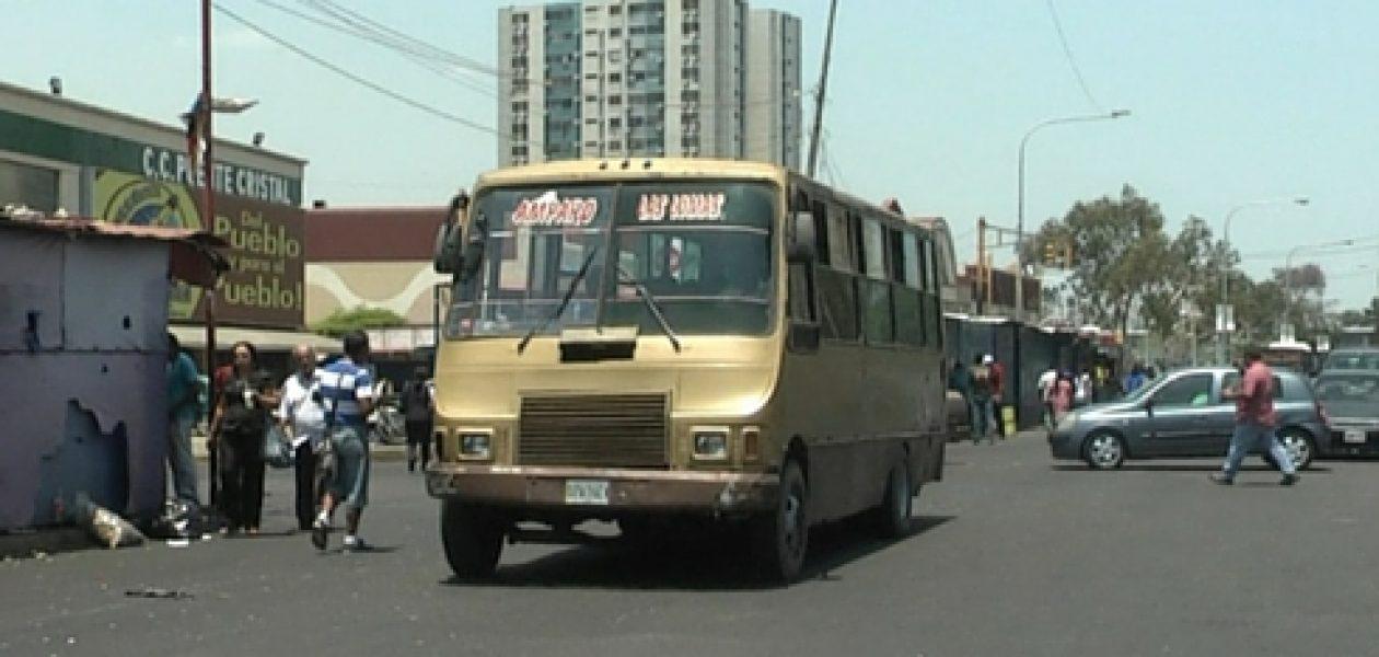Si no hay aumento del pasaje transportistas amenazan con paro