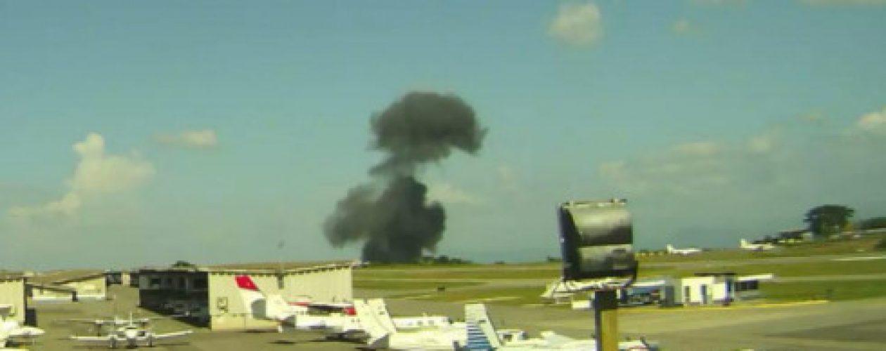 Piloto y copiloto fallecen tras estrellarse avioneta en el Aeropuerto Caracas